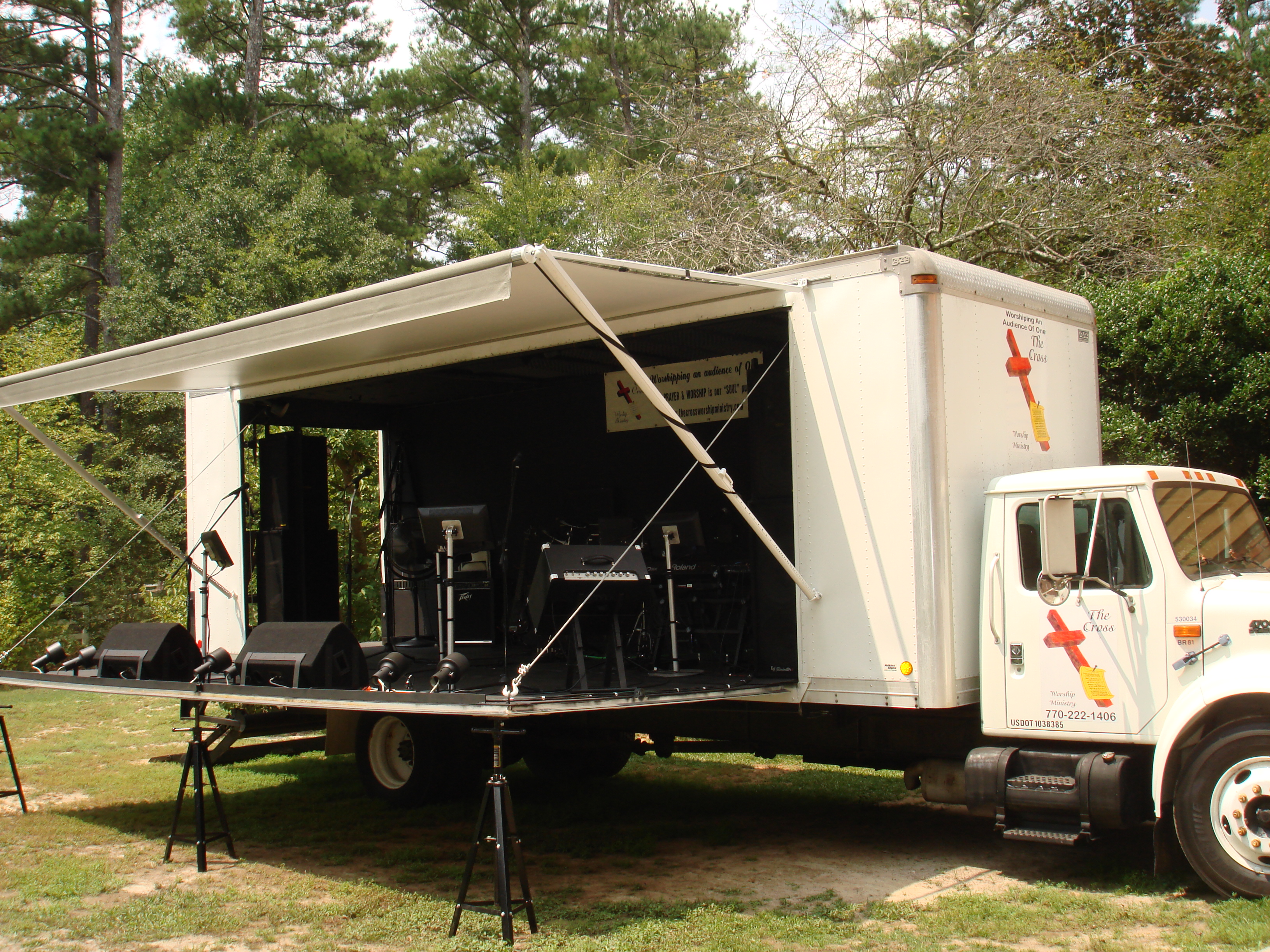 Mobile Stage Truck - TCWMMUSIC COM